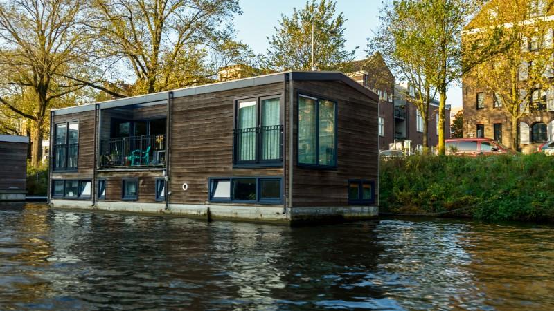 Unusual type of house: houseboat
